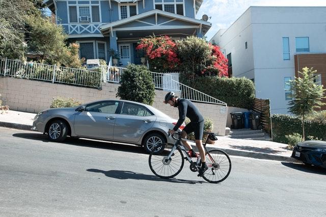 תאונה ברכיבה על אופניים בדרך לעבודה